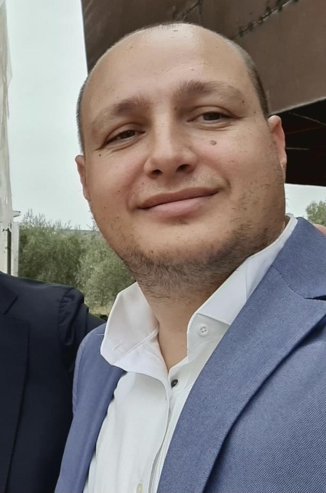 Gazetari Enrik Mehmeti: Të jetosh në një qytet si Vlora, ka rreziqet e saj
