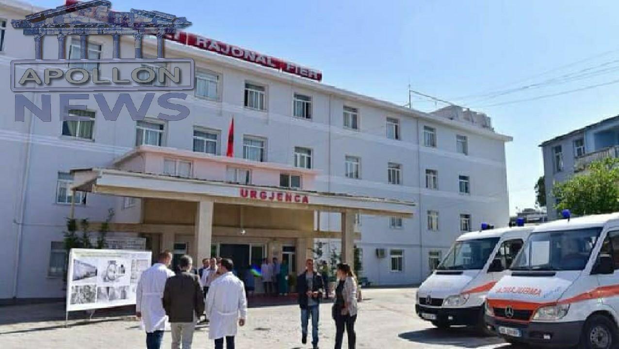 Vijojnë SKANDALET në Spitalin e Fierit. Mjeku filmohet duke marrë para nën dorë