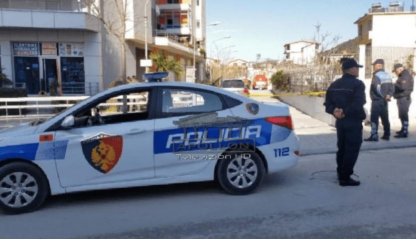 Plas sherri mes dy baballarëve në Vlorë, futen dhe djemtë në konflikt, njëri përfundon në spital