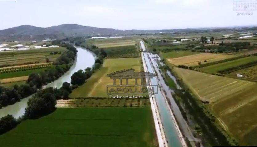 Rehabilitohet kanali i Çukës, u shërben rreth 10 mijë fermerëve të Fierit dhe Lushnjes