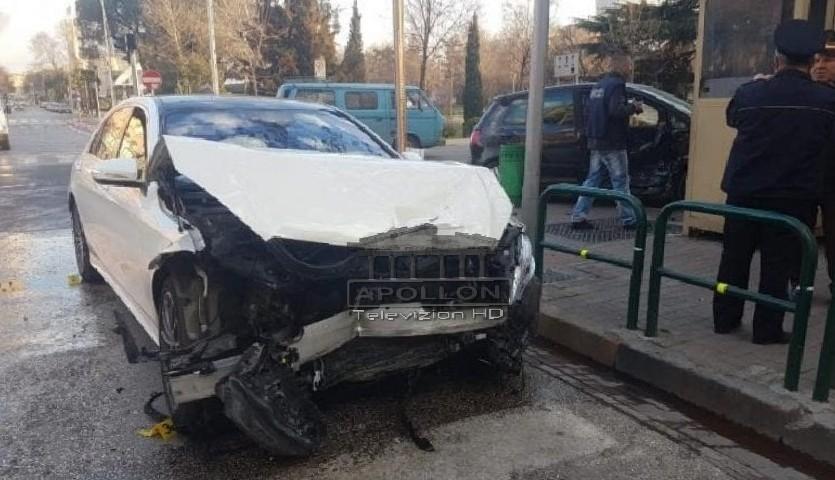 """Aksident i rëndë te """"Rruga e Kavajës"""", makina përplas për vdekje një person"""