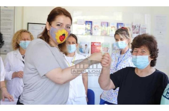 Manastirliu u bën thirrje qytetarëve: Vaksinohuni gjatë verës që t'i bëjmë ballë varianteve të reja të Covid-19