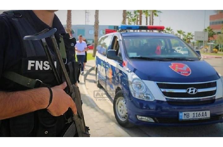 """Ish-burri tenton të vrasë gruan në Tiranë, patrulla e """"1-shit"""" niset me urgjencë, parandalon ngjarjen dhe sekuestron pistoletën"""