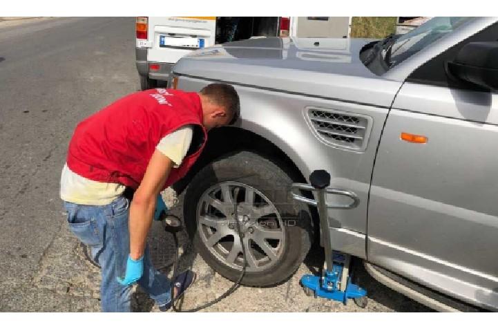 E rëndë në Durrës, shpërthen goma e kamionit në gomisteri, vdes mekaniku 20 vjeçar