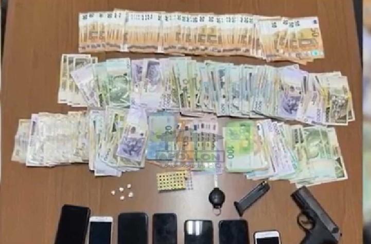 Shiste kokainë me doza në tabachinon e tij, antidroga prangos 40 vjeçarin në Allias, sekuestrohen lekë dhe mijëra euro