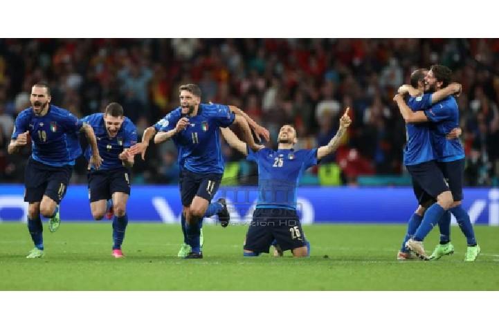 """Italia shkon me """"dorë në zemër"""" në finalen e Euro2020 në Wembley, Spanjën e """"djeg"""" Morata në penallti"""