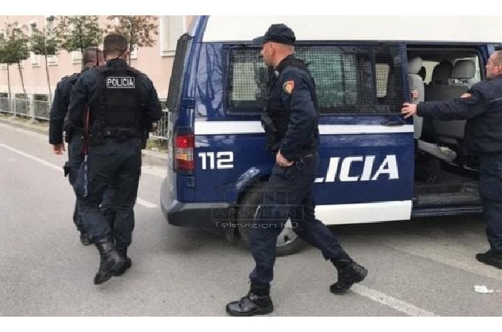 Kapet në plazh me armë , arrestohet 50 vjeçari
