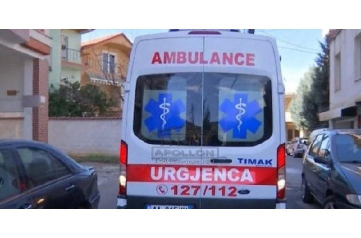 U vaksinua kundër Covid, qytetarja në Tiranë humb ndjenjat, niset me urgjencë për në spital