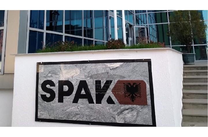 9 zyrtarët e Ministrisë së Brendshme që u arrestuan nga SPAK, drejtoresha Edlira Naqellari u shkarkua 8 ditë më parë nga Çuçi