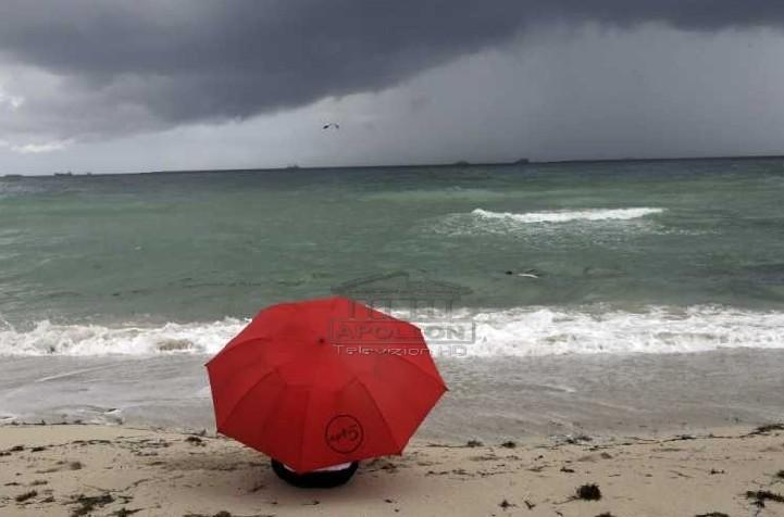Keni bërë plane për plazh? Moti parashikon surpriza: E diela me vranësira dhe reshje shiu ne formë shtrëngatash