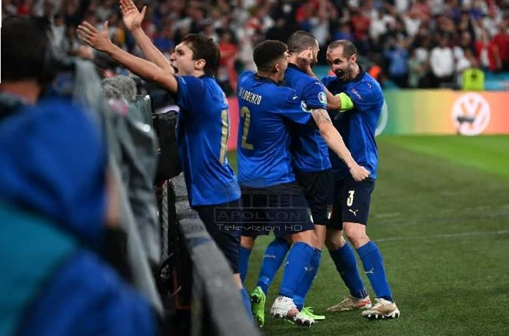 """EURO 2020/ TROFEU shkon në ROMË, Italia """"pushton"""" Londrën dhe fiton Kampionatin Europian"""