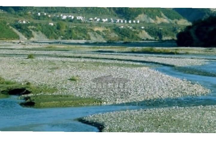 Mbytet në lumin Devoll 15 vjeçarja