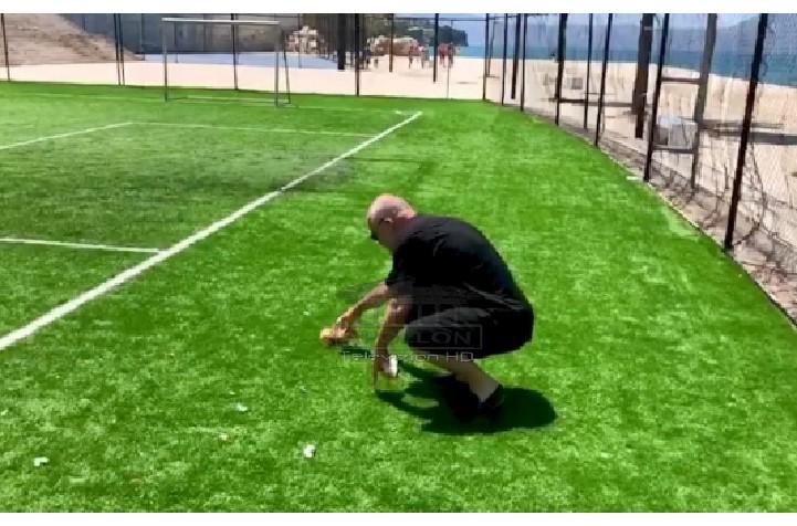 """Edi Rama publikon VIDEON duke mbledhur plehrat në Vlorë, """"shigjeton"""" Lelin: Turp! Bën mirë të vijë ta pastrojë këtë, pa lindur dielli"""