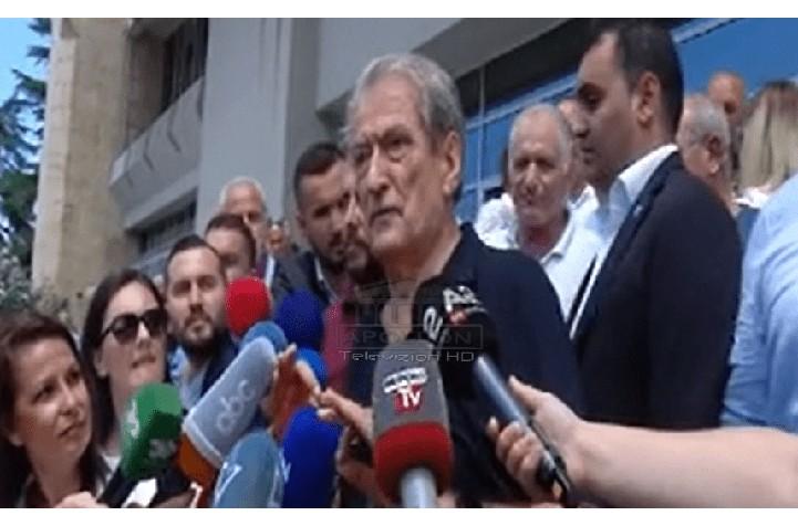 Sali Berisha sfidon Amerikën: Mezi po pres të shkoj në Parlament në shtator! Të sjellin një të dhënë dhe unë tërhiqem nga politika