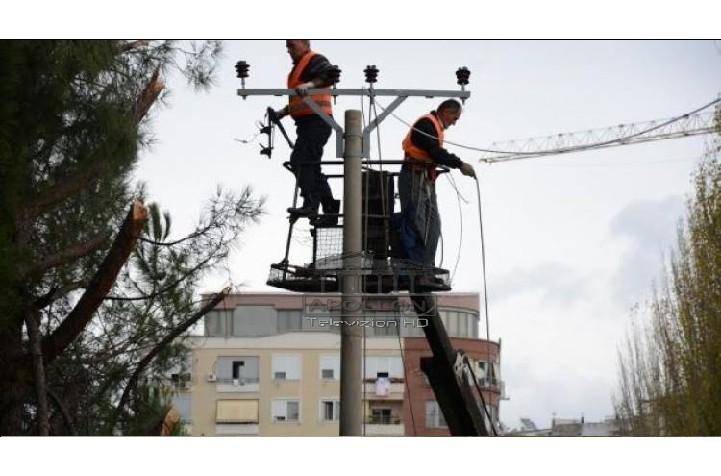 Tirana nesër pa drita, OSHEE njofton qytetarët: Në këto zona nesër do të ndërpritet energjia, ja oraret