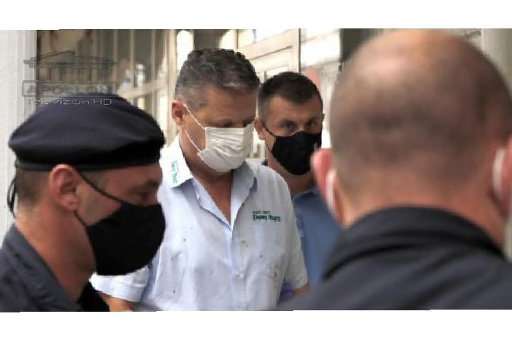 Me këmishën me gjak dhe i prangosur, merret në pyetje shoferi që shkaktoi tragjedinë shqiptare në Kroaci: Më zuri gjumi