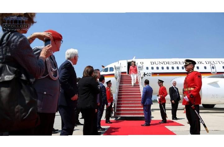 Do takohet me Edi Ramën dhe liderët e vendeve të Ballkanit, mbërrin në Rinas Kancelarja Angela Merkel