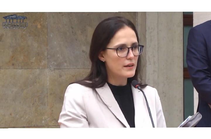 MINISTRIA E FINANCAVE: SHQIPËRIA DO TË DALË SË SHPEJTI NË EUROBOND PËR HUAMARRJE