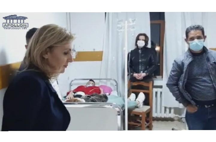 Helmimi masiv i qytetarëve në Krujë, deputetja e PD-së e shqetësuar: Kam djalin dhe motrën këtu